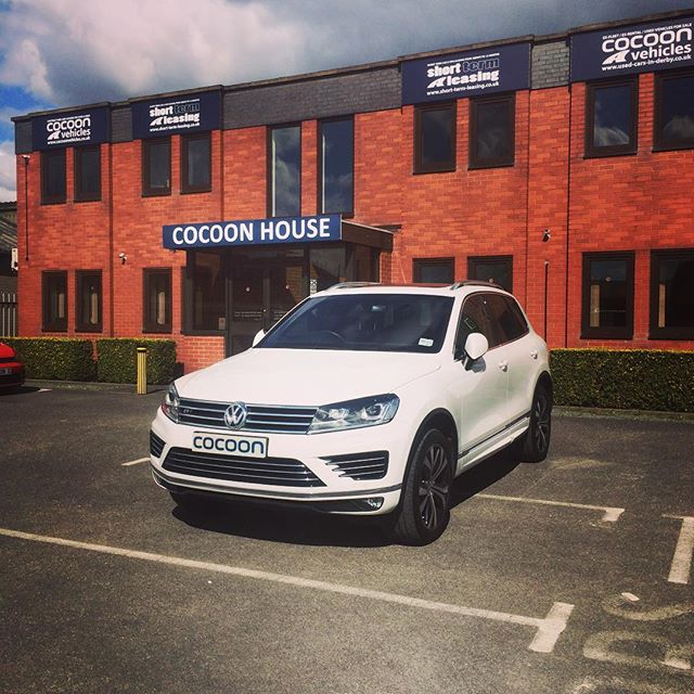 We have a lovely new #3.0 TDi V6 5dr in #GlacierWhite.  If you would like more information about any of the vehicles we have available, please don't hesitate to give us a call on 01332290173 or visit www.cocoonvehicles.co.uk