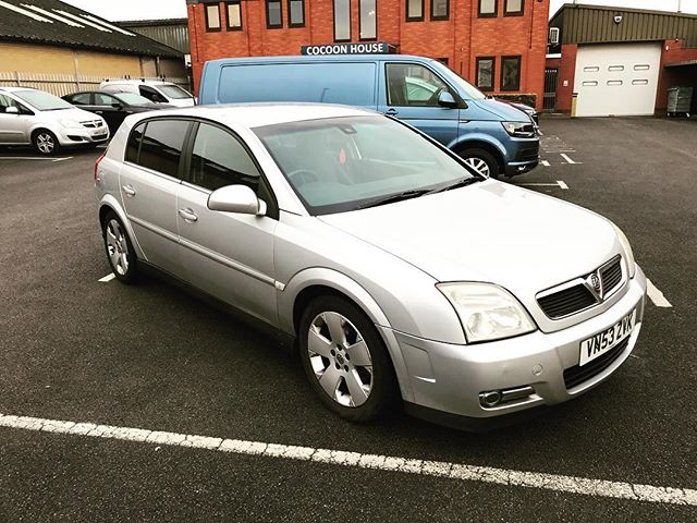 """We even take in part exchanges against short term and long term car leases! Like this Vauxhall Signum that was sold to by one of our salesman 13 years ago!  Short and Long Term Car Leasing : 0330 330 9425 : or GOOGLE """"Cocoon Vehicles"""""""