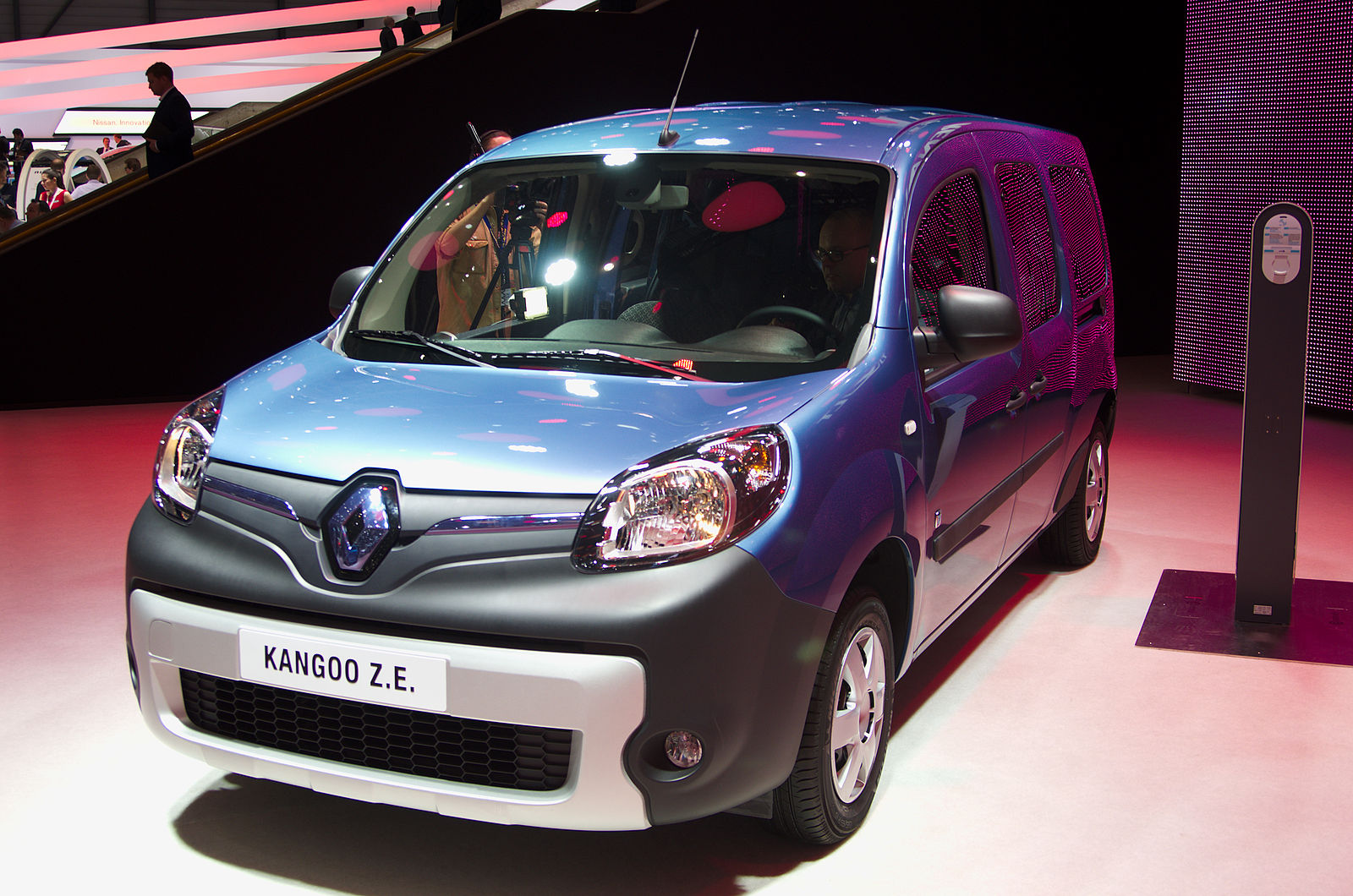 renault leading the way in electric vans