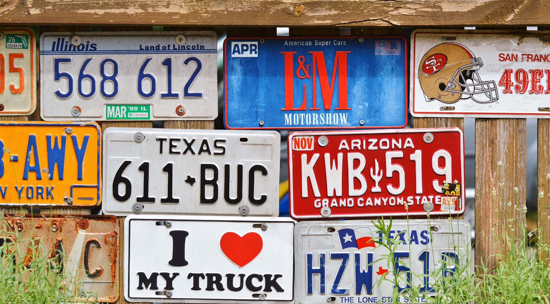 how does the uk number plate system work